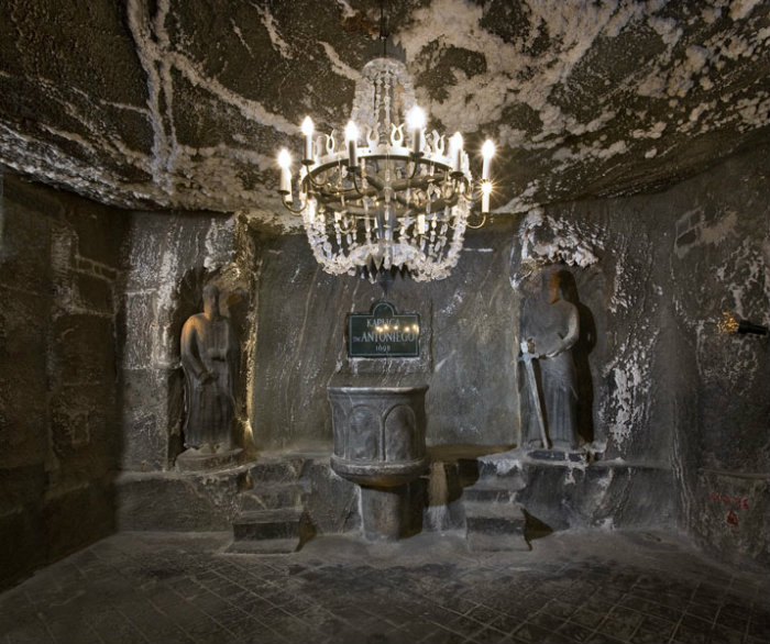 the wieliczka salt mine quite an amazing place ilivetotravel 39 s travel log. Black Bedroom Furniture Sets. Home Design Ideas