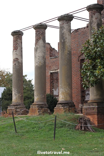 The Barbour mansion's ruins in Barboursville Vineyards in Virginia wine country